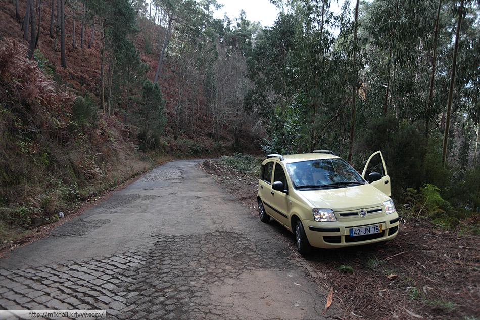 Fiat Panda и горные дороги острова Мадейра. В горах бывает брусчатка.