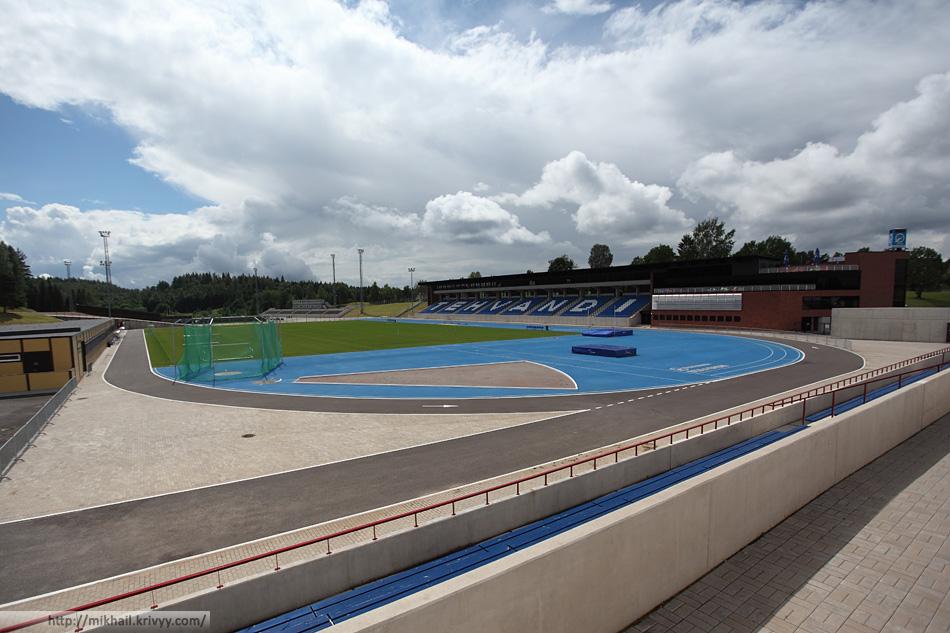 Стадион Техванди. Все очень чисто и аккуратно.