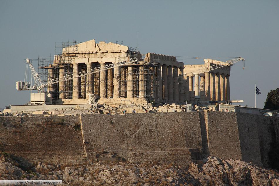 Парфенон - главный храм в древних Афинах. Построен в 447—438 до н. э.