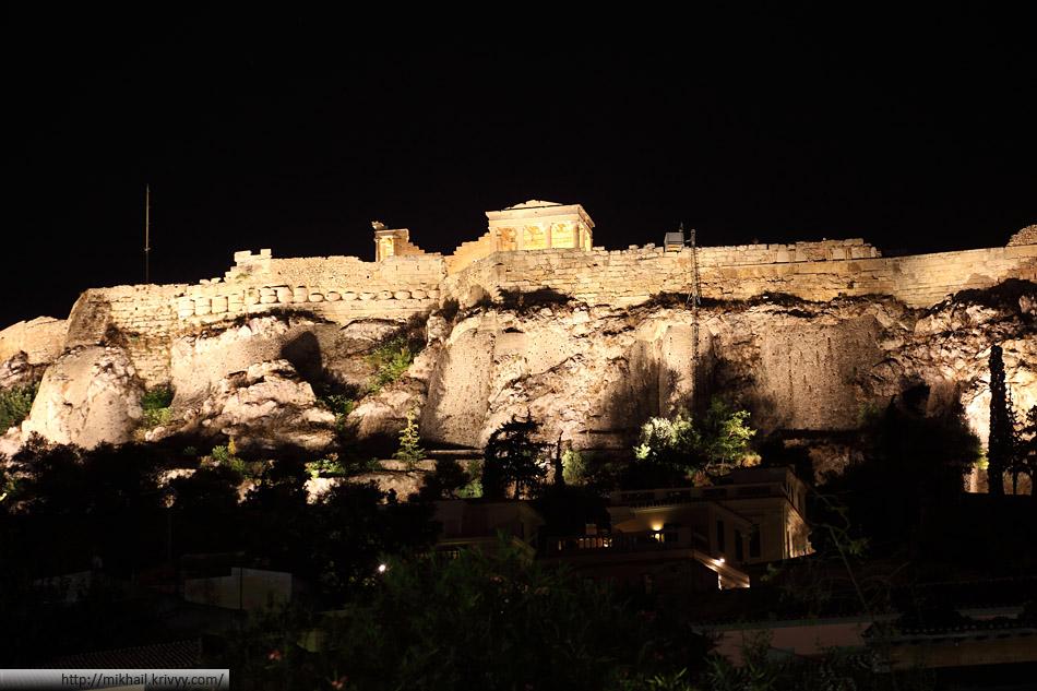 Афинский Акрополь. Эрехтейон. Пожалуй единственное место с равномерной, но текстурной, подсветкой.