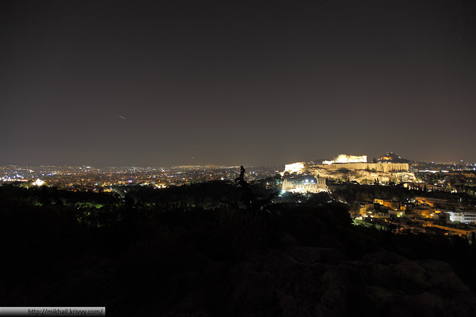 Акрополь и ночные Афины.