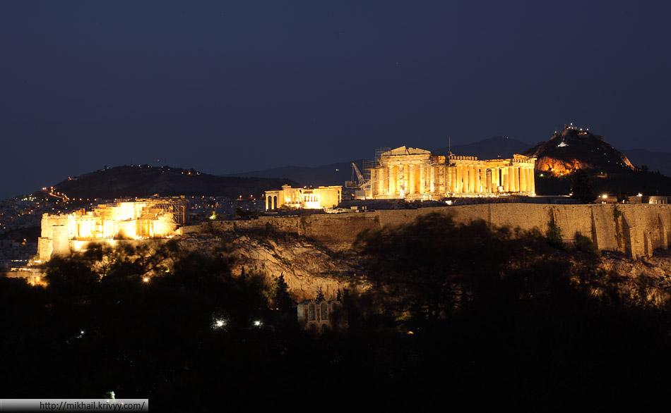 Афинский Акрополь в сумерках
