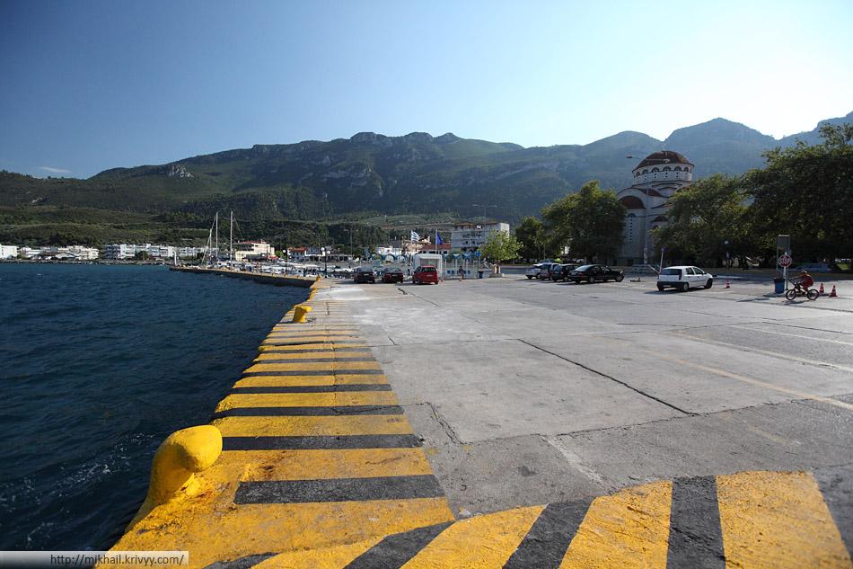 Порт Агиос Константинос (Agios Konstantinos). Просто причал.