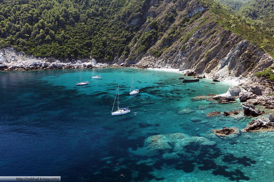 Пляж Агиос Иоаннис (Agios Ioannis) - лучший пляж из тех что нам встретились в этой поездке. А нам встретилось порядка 30 разных пляжей.