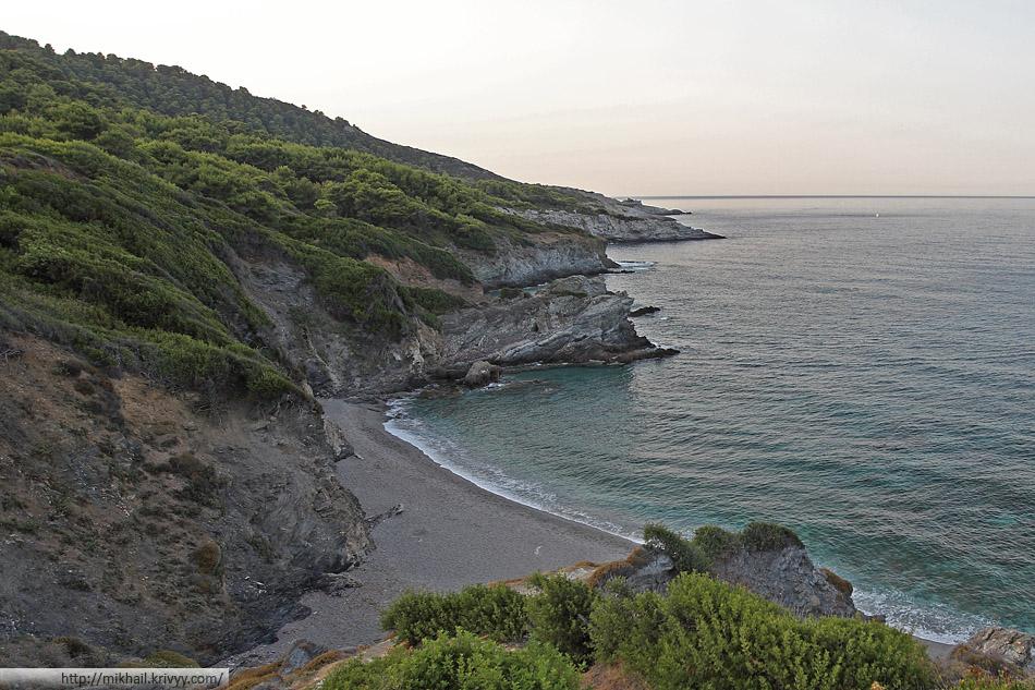 Пляж Периволу (Perivolou beach)