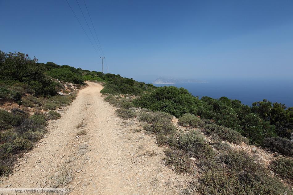 Грунтовая дороге на горе Палоуки. Высота 550 метров.