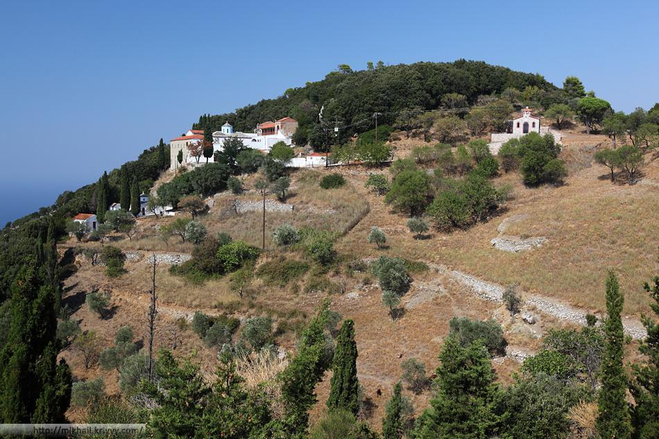 Начальная, она же конечная точка нашего маршрута - монастыри Aghia Varvara (Святая Варвара) и Prodhromos (Продром).