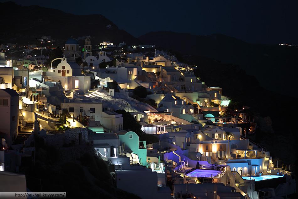Вся красота начинается после заката. Ойя, Санторини, Греция.