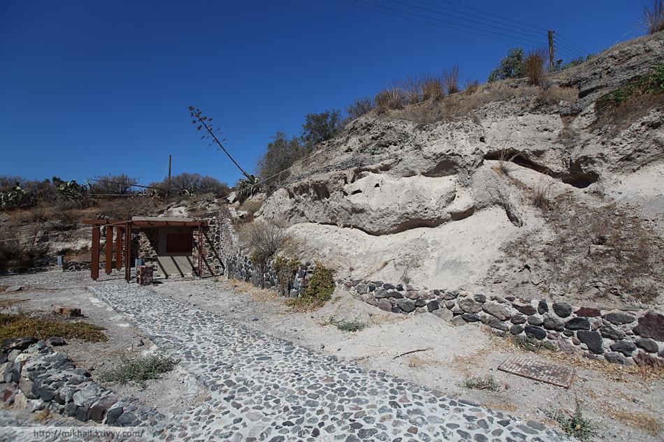 Музей раскопок Акротири - филиал Тенерифе на Санторини.
