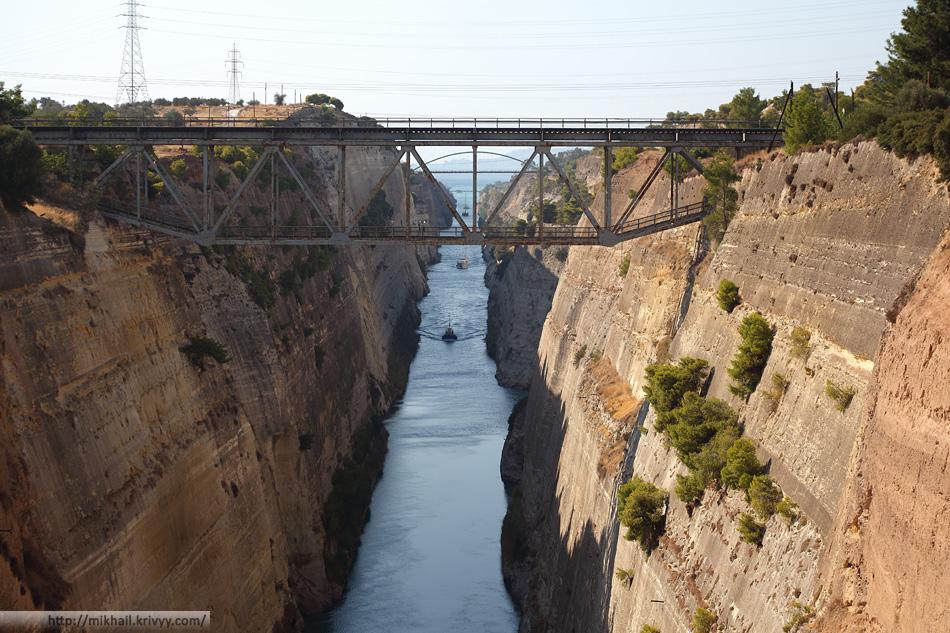 Коринфский канал. Старый железнодорожный мост.