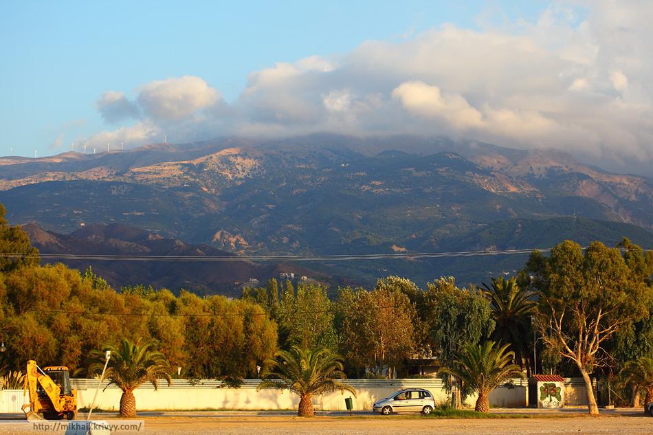 Пелопоннес в этих местах очень красив. Наверное, самое зеленное место в Греции.