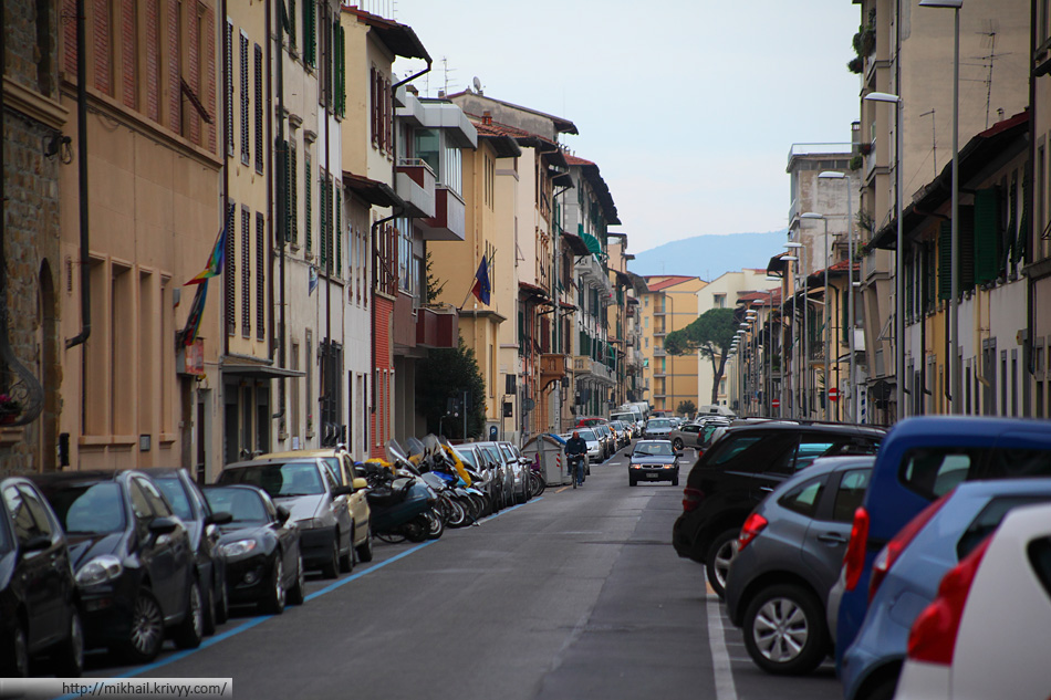 Типичная ситуация с парковкой. Via Arcangelo Corelli.