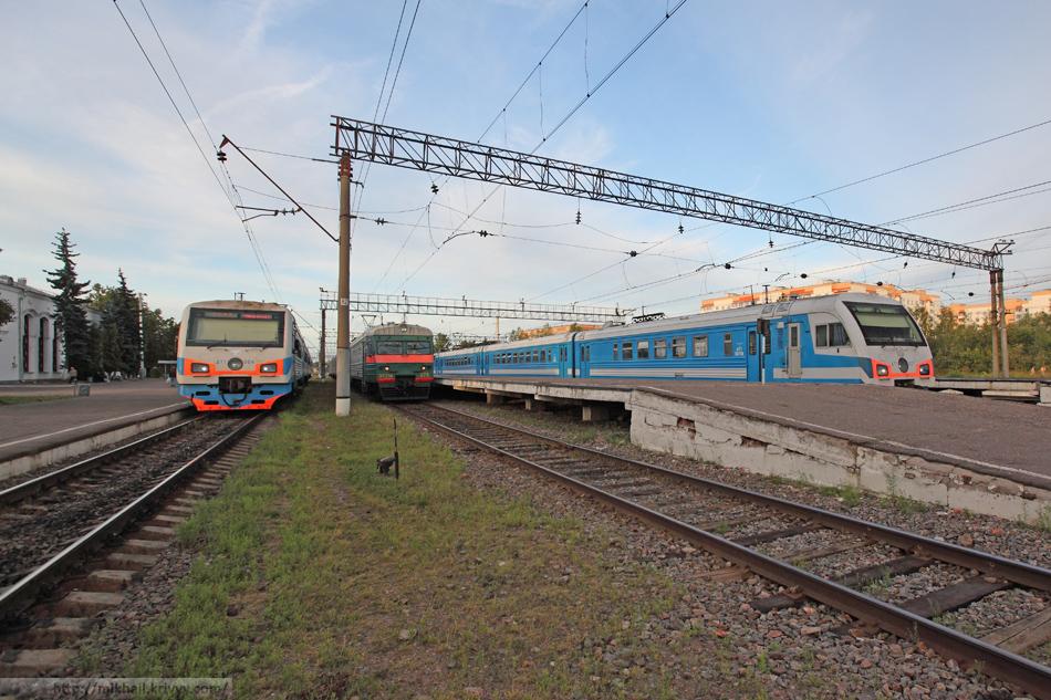 Новгородский вокзал в день отъезда.