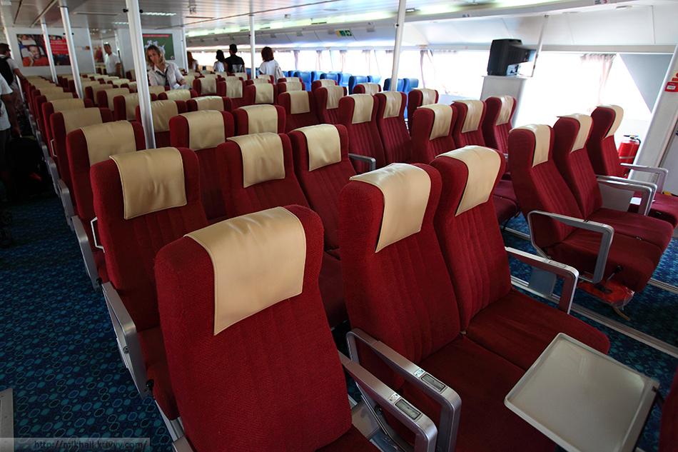 Салон катамарана Hellenic Seaways Flyingcat 5.