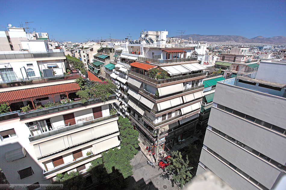 Вид на Пирей, из номера гостиницы Savoy Hotel Piraeus.