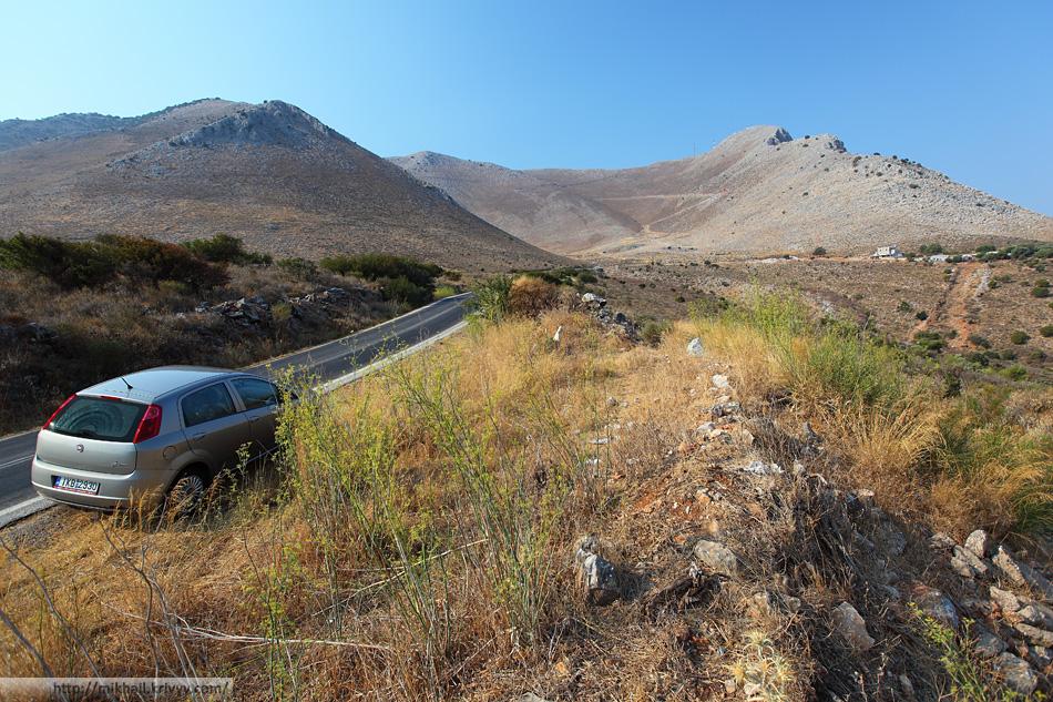 В пригороде Ареополи. Дорога Гитео (Gytheio) - Ареополи (Areopoli). Полуостров Мани.