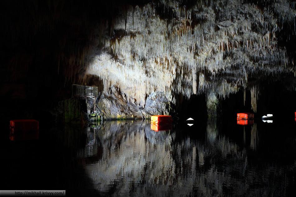 Подземное озеро в пещерах Диру. Полуостров Мани.