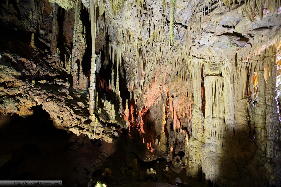 Пещеры Диру. Полуостров Мани. Греция.