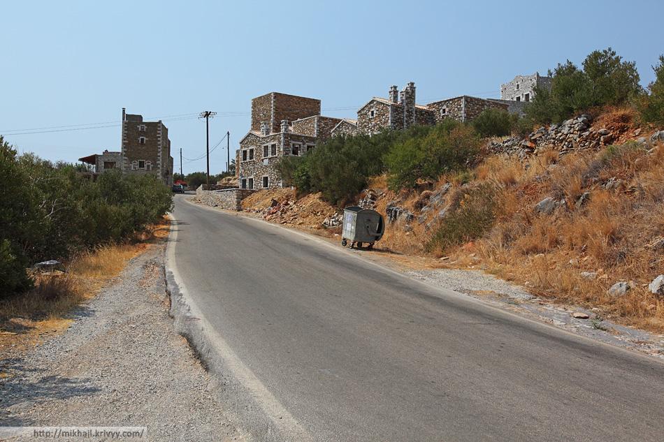 Надо сказать, что местный камень на так и дешев. Полуостров Мани. Греция.