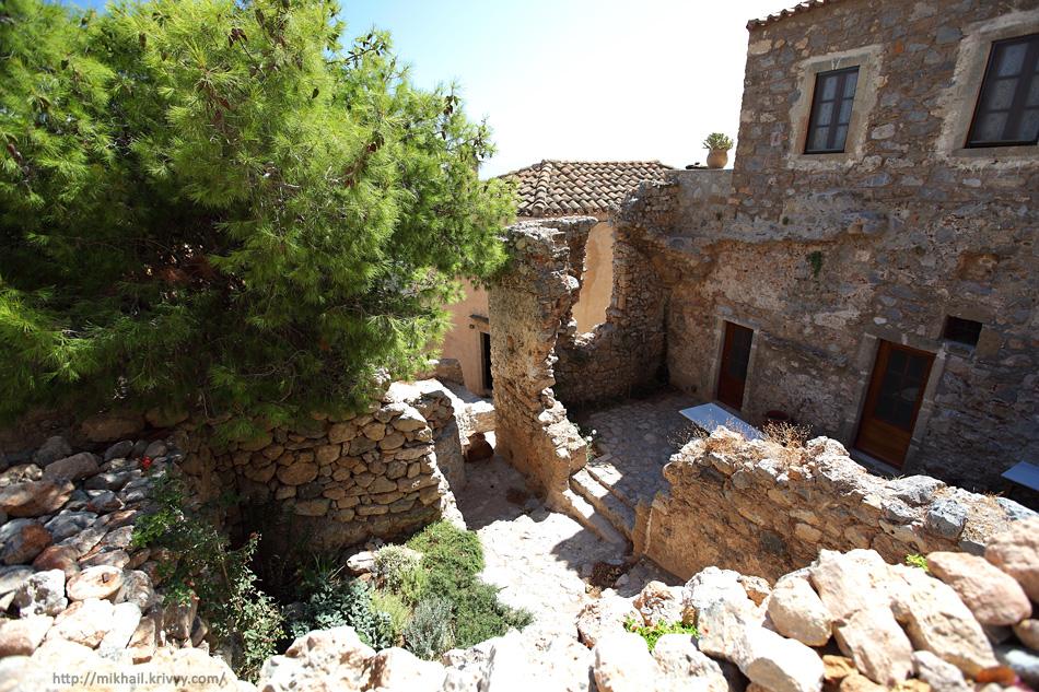 Монемвасия (Monemvasia), Греция.