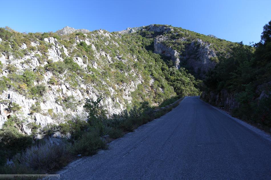 По дороге из Моневмасии в Эпидавр. Горный хребет Парнон.