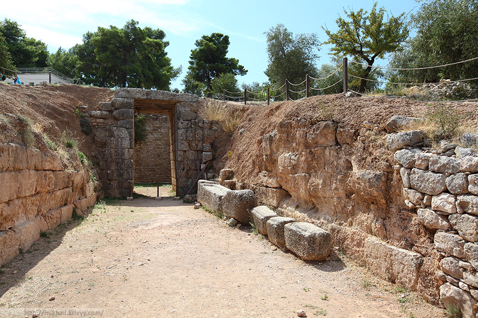 Подземная гробница Льва (Lions grave).
