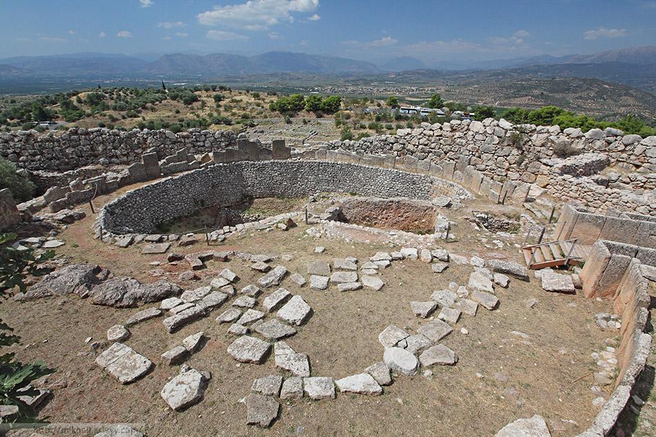 Могильный круг А (grave Circle A). Микенский акрополь.