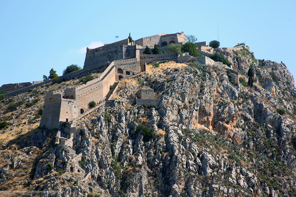 Паламиди (греч. Παλαμήδι) — крепость построенная венецианцами в 1687 году.  Высота холма - 216 метров.