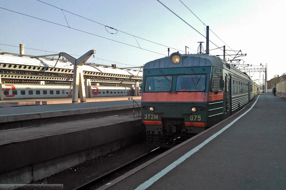 ЭТ2М-075, электричка Санкт-Петербург - Великий Новгород.
