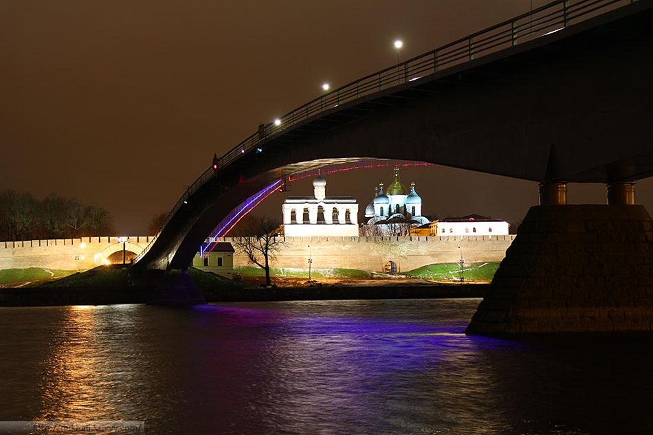 Пешеходный мост.