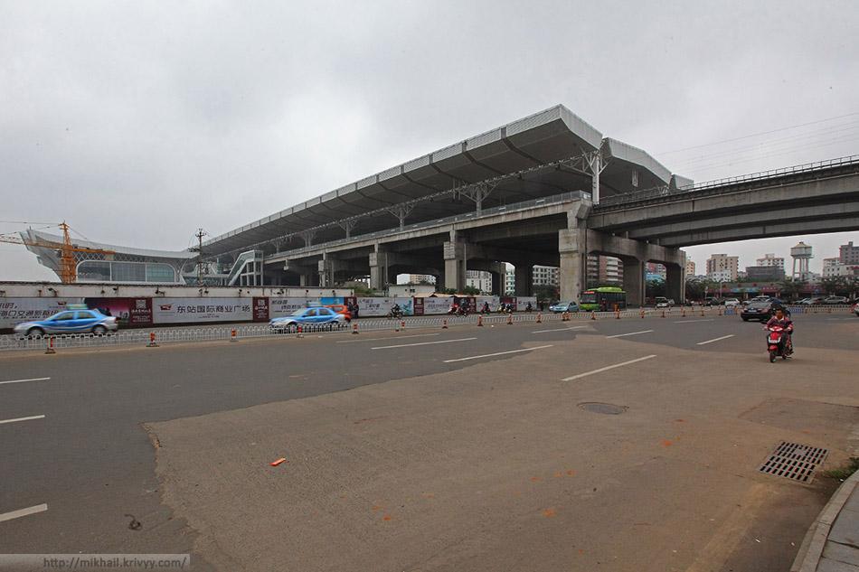 Станция ХайКоуДонг (Haikou East). Эстакада.