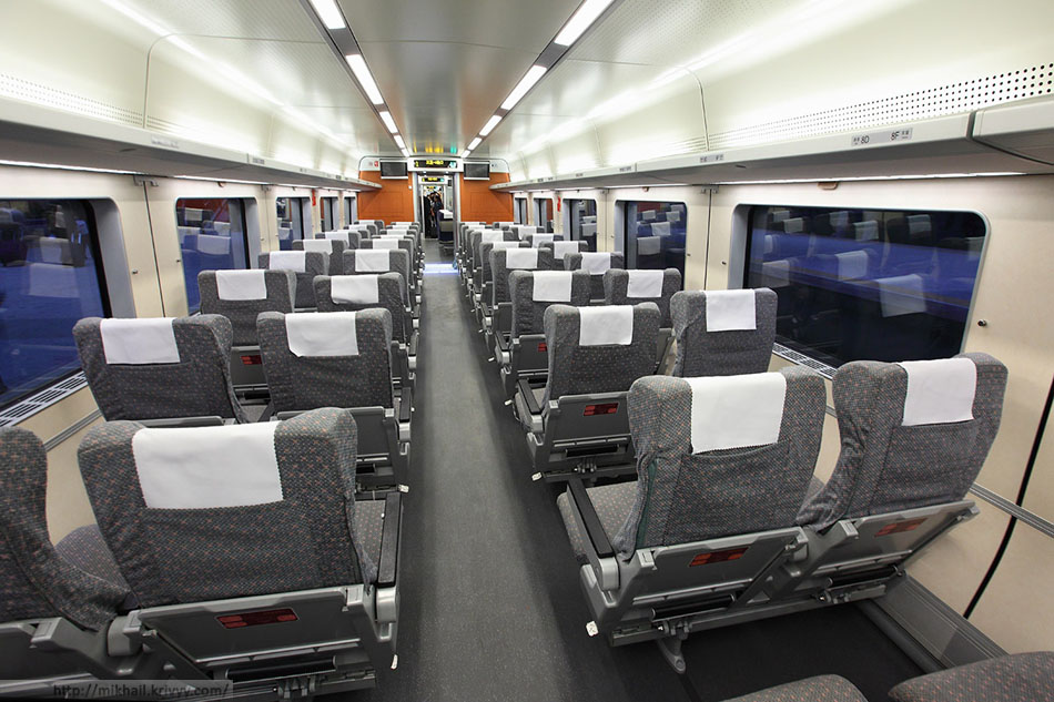 Салон бизнес-класса. Головной вагон.