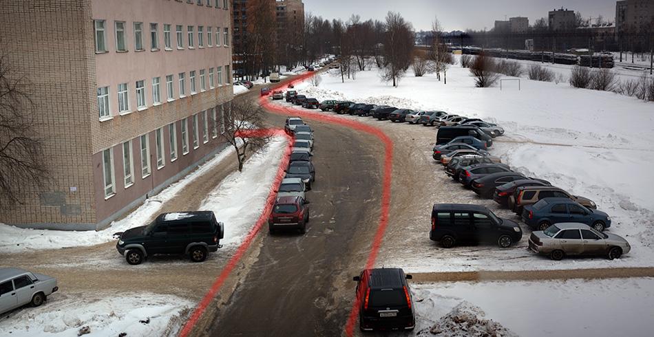 За последний месяц парковку немного замело и она стала заметно меньше. Тут я попробовал выделить реальный контур улицы. Теперь это не так просто.