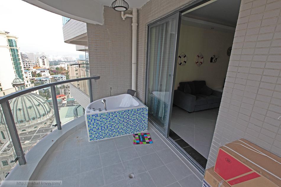 Ванная на балконе.