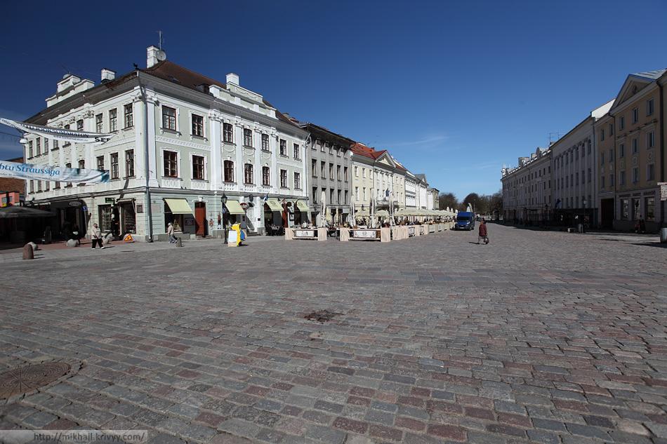 Ратушная площадь Тарту. Эстония.