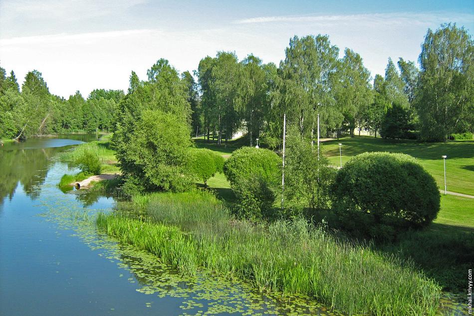 Парк в небольшом городке Карья (~9000 жителей). Финляндия.
