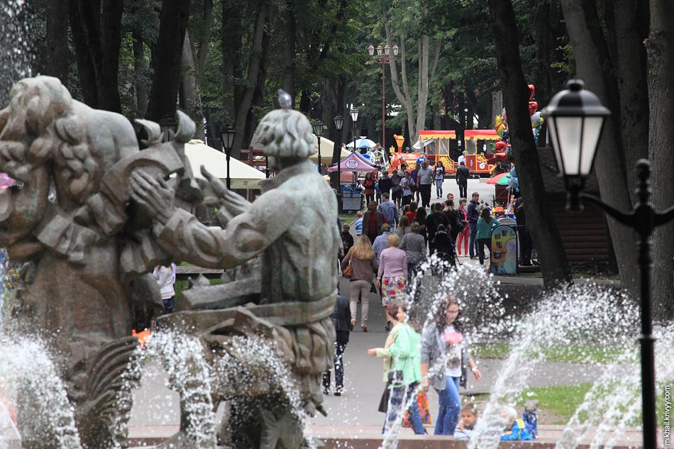 Пасмурный день в кремлевском парке