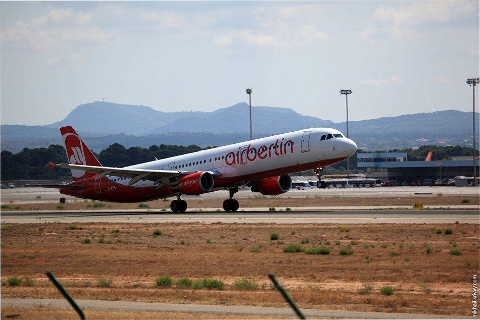 12:31, Airbus A321-211 D-ALSA, Air Berlin. Рейс AB3047, Palma de Mallorca (PMI) - Dusseldorf (DUS)