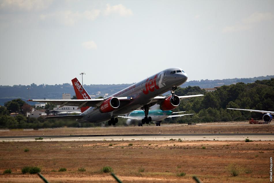 12:33, Boeing 757-21B G-LSAG, Jet2. Рейс LS190, Palma de Mallorca (PMI) - Glasgow (GLA)