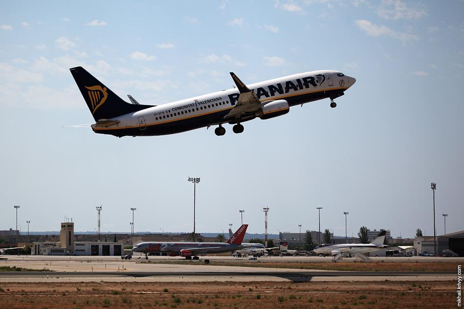 12:42, Boeing 737-800 EI-EFN, Ryanair. Рейс FR6657, Palma de Mallorca (PMI) - Edinburgh (EDI)