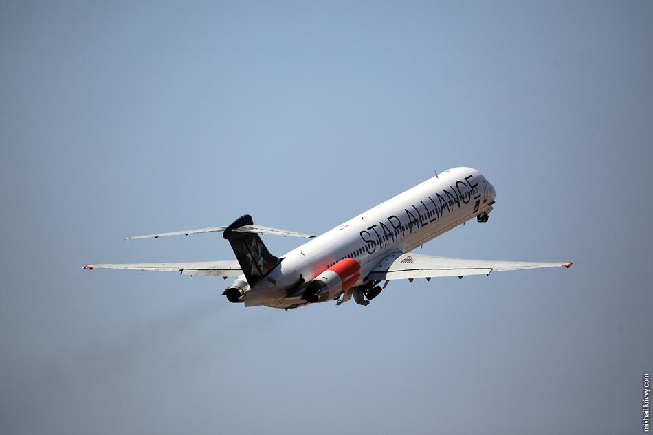 12:47, McDonnell Douglas MD-82 OY-KHE, SAS Scandinavian Airlines. Рейс SK1805, Palma de Mallorca (PMI) - Stockholm (ARN)