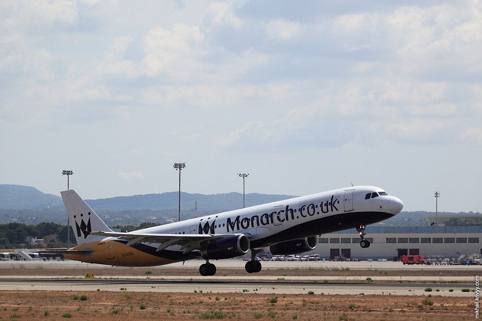 12:52, Airbus A320-214 G-OZBY, Monarch Airlines. Рейс ZB227, Palma de Mallorca (PMI) - London (LGW)