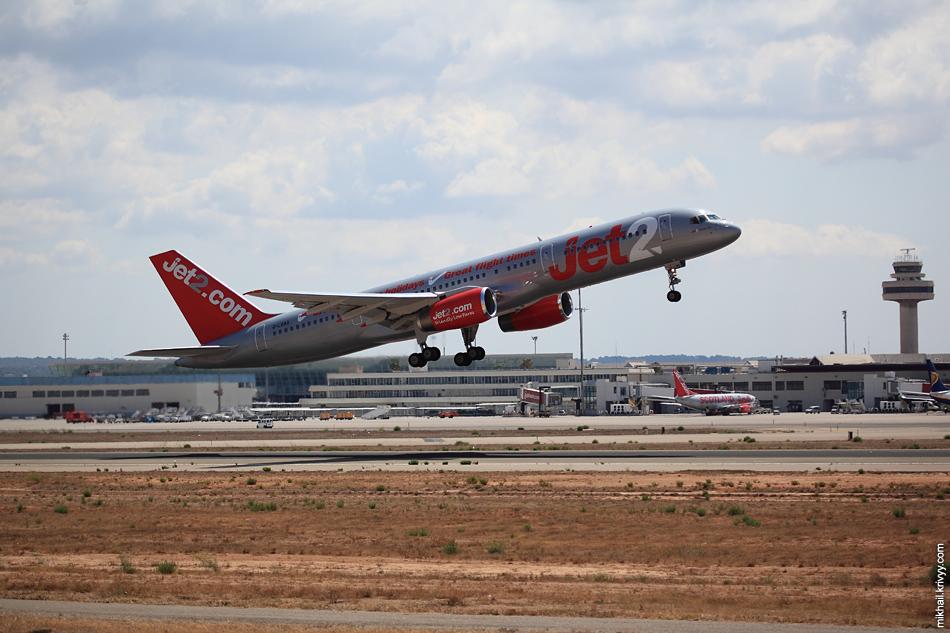 12:54, Boeing 757-236 G-LSAA, Jet2. Рейс ZB958, Palma de Mallorca (PMI) - Birmingham (BHX)