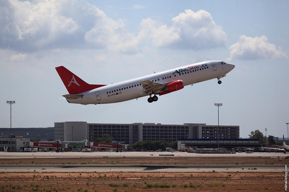 13:02, Boeing 737-400 EC-LTG, AlbaStar. Рейс LAV3736, Palma de Mallorca (PMI) - Port (OPO)