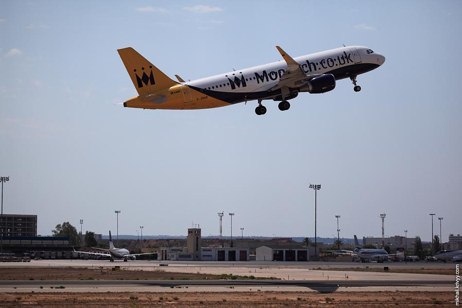 13:08, Airbus A320-214 G-ZBAB, Monarch Airlines. Рейс ZB875, Palma de Mallorca (PMI) - London (LTN)