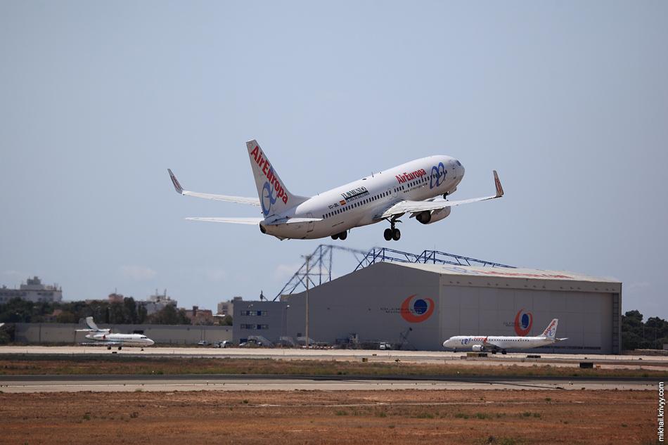 13:33, Boeing 737-800 EC-JBL, Air Europa. Рейс FR2052 , Palma de Mallorca (PMI) - Barcelona (BCN)