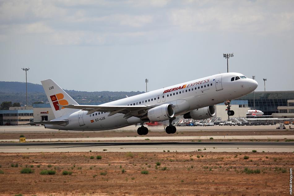 13:37, Airbus 320-216 EC-LUS, Iberia Express. Рейс IBS391G, Palma de Mallorca (PMI) - Madrid (MAD)