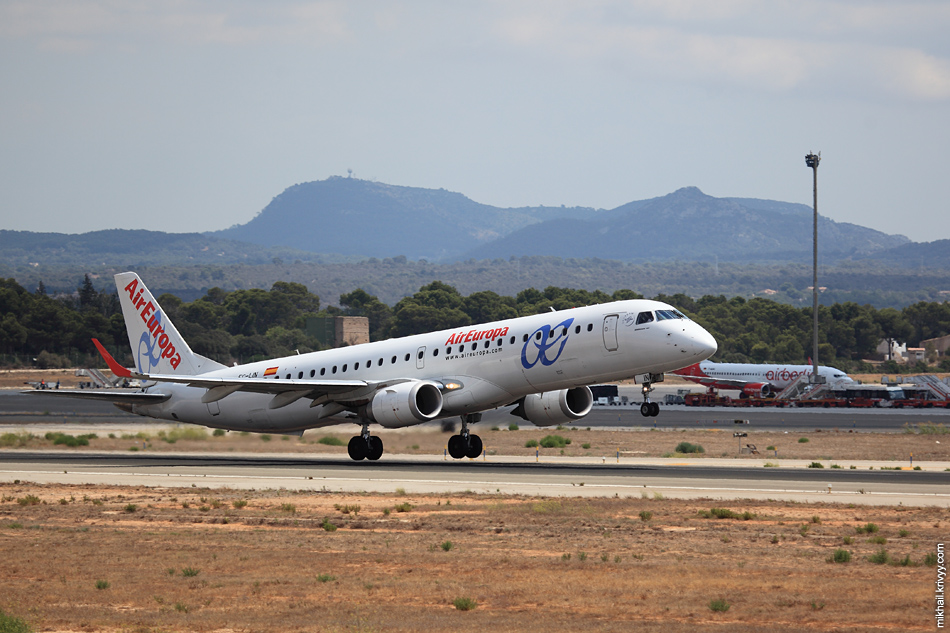 13:49, Embraer ERJ-195 EC-LYN, Air Europa. Рейс AEA7506, Palma de Mallorca (PMI) - Madrid (MAD)