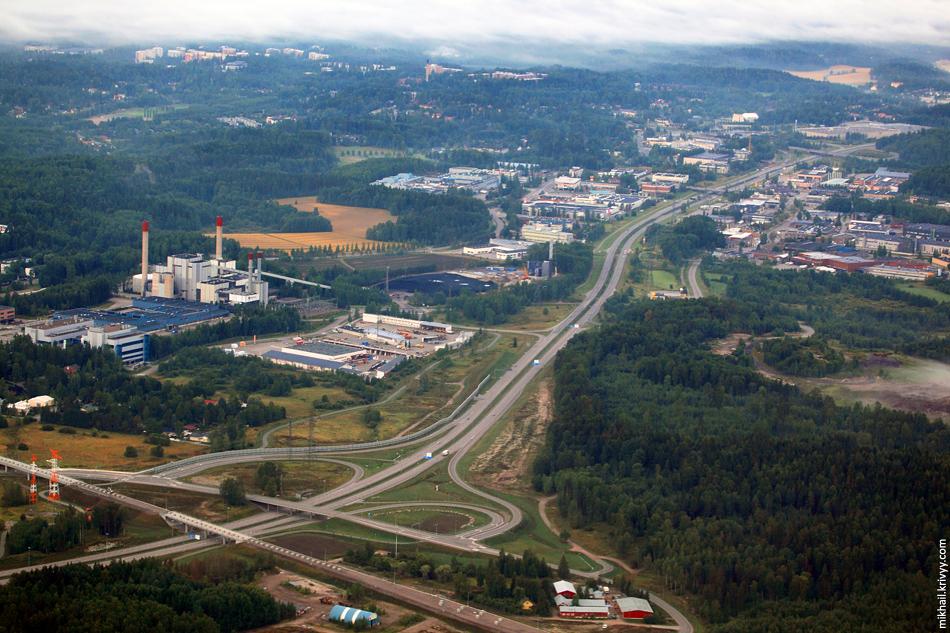 Автомагистраль Хельсинки - Тампере. Строящаяся ветка метро, в 2014 должны запустить.