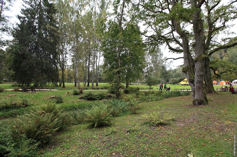 Загородный парк с пещерами. Сигулда. Латвия.